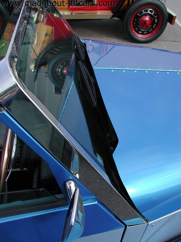 Javelin Sports Cars - Cabrio. Windscreen detailing