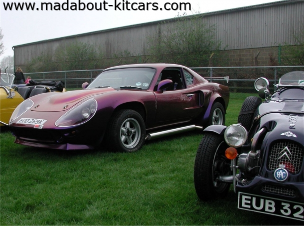 Excalibur Sports Cars - Crusader. Pearlescent paint job