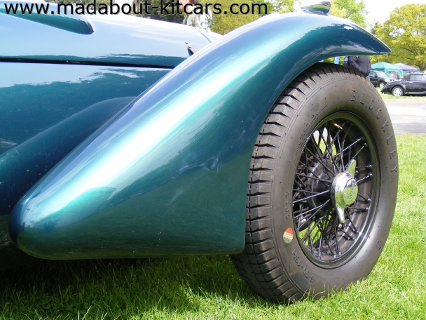 Kougar Sports Cars - Kougar Sports Classic. Flowing front wing detail