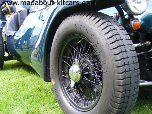 Kougar Sports Cars - Kougar Sports Classic. Vintage wire wheels